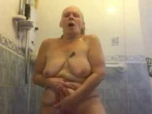 GILF Pussy Play In The Shower