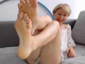 GILF Foot Fetish Webcam