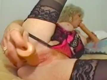 Granny Sex Toy Play On Cam